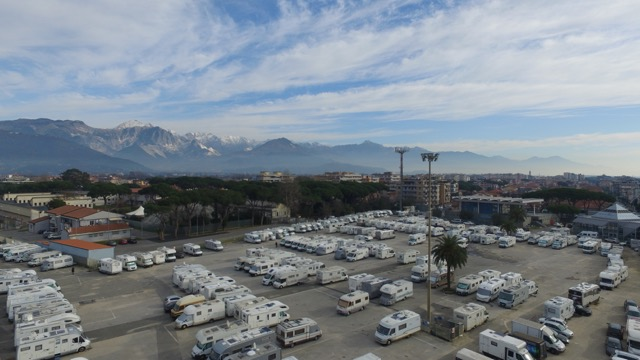 foto camper a tour it con drone