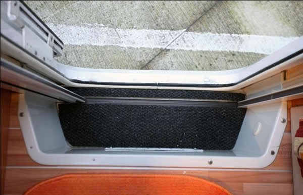 Fai da te montaggio zanzariera porta camper menu - Zanzariera porta finestra ...
