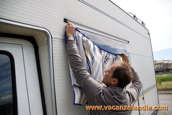 Vetrina di prodotti tendine parasole finestre parafrigo per proteggere dal sole le finestre - Griglie per finestre esterne ...